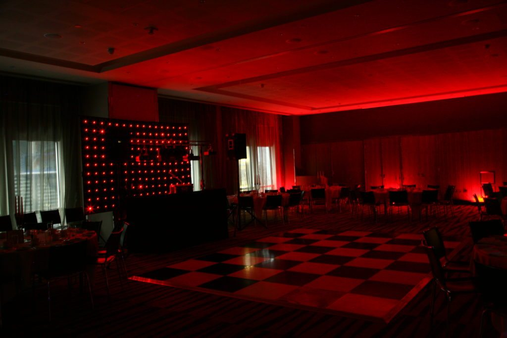 Radisson Edwardian Docklands, Uplighting Red