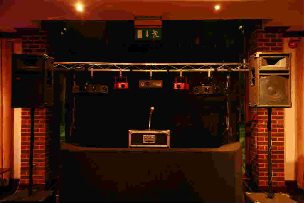 Nazeing Golf Club, Essex, Standard Set Up, Black Booth, Black Backdrop, No Uplighting