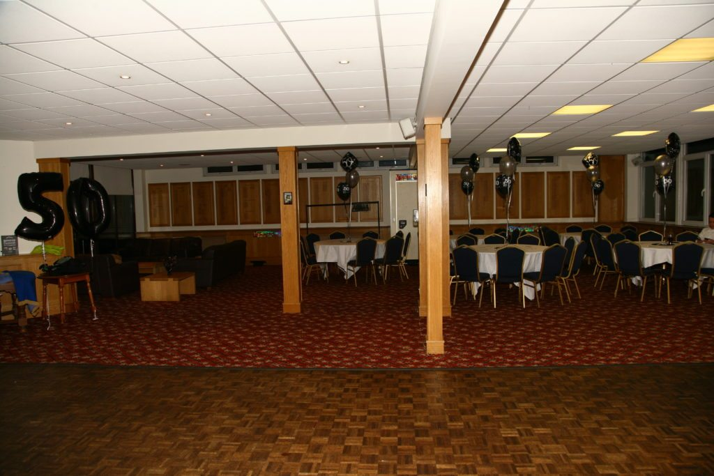 Crews Hill Golf Club, Enfield, No Uplighting